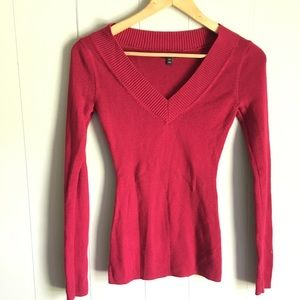 Express • Red Slim Cut V-Neck SWEATER Size Small
